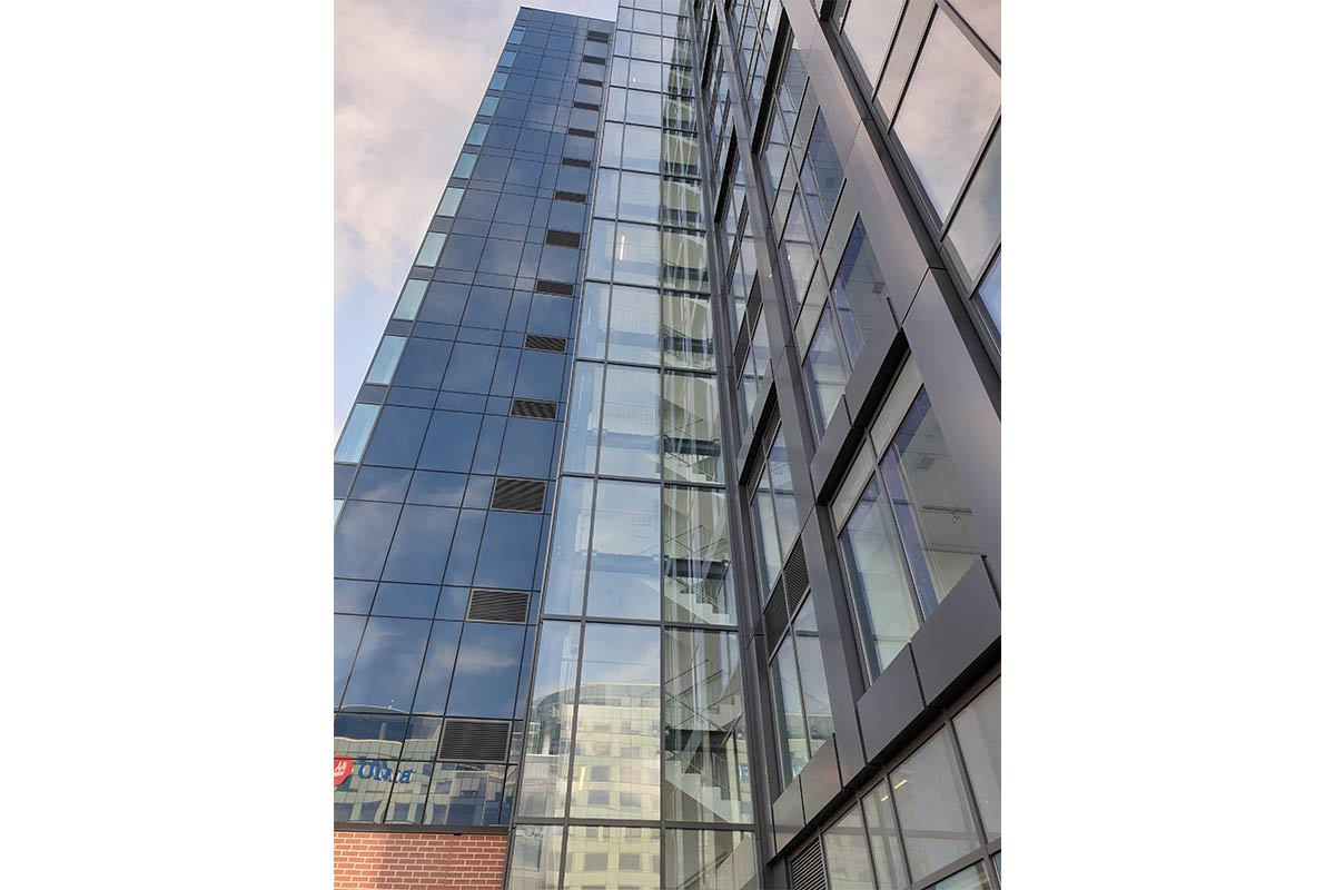 capped glazed curtain wall