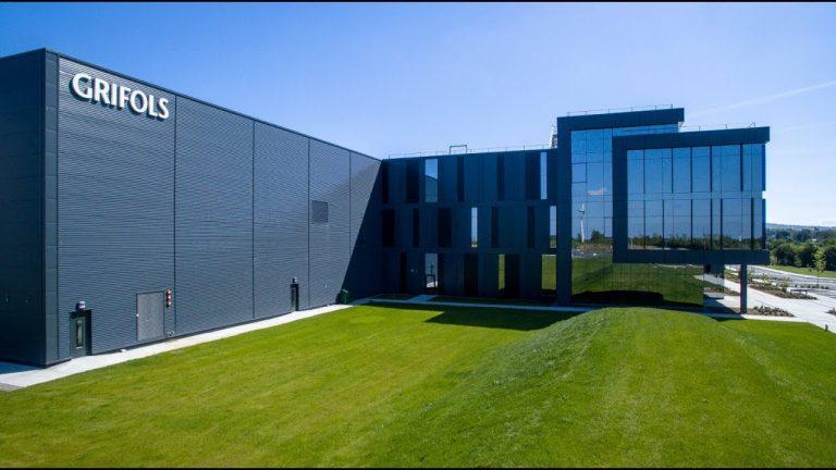 Grifols International Logistics Centre - APA Facade Systems